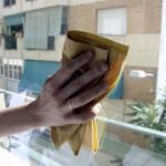 Consigli utili: come pulire correttamente i vetri