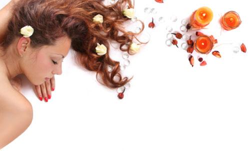 Perdita di capelli a donne sulla cima