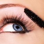 Macchie di mascara: come eliminarle?