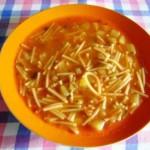 Un piatto facile e sano: la minestra di pasta e patate