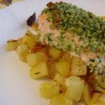 Piatto sfizioso: salmone con erbe aromatiche cotto al forno