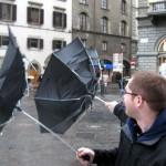 Come riciclare un ombrello rotto