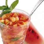 Macedonia di anguria, melone e pistacchi