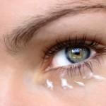 Come fare una crema contorno occhi in casa
