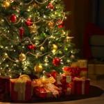 Come addobbare l'albero di Natale risparmiando