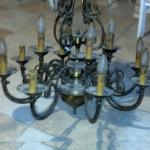 Rinnovare in casa il vecchio lampadario di metalli