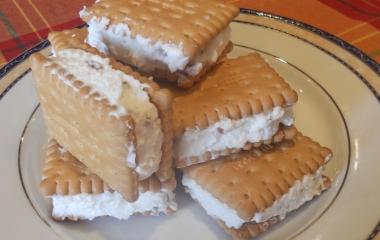 gelato al biscotto