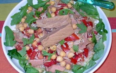insalata di riso con ceci e tonno