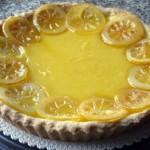Una deliziosa crostata al limone per l'estate
