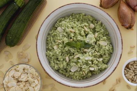 pesto-risotto-zucchine-caprino
