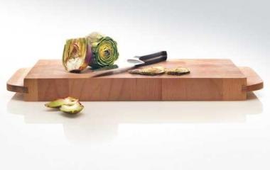 taglieri e mestoli di legno