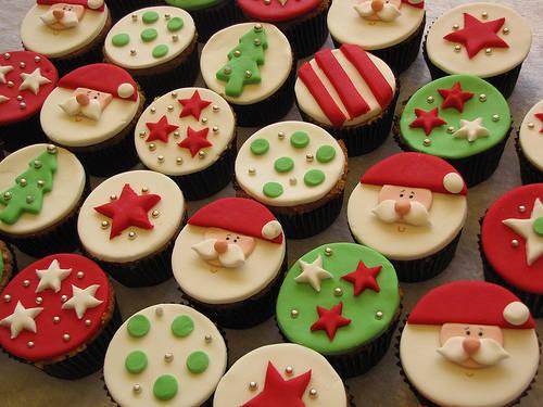 Risultati immagini per cupcake natalizie