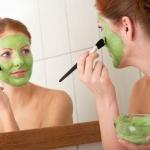 Maschera per il viso naturale al sedano