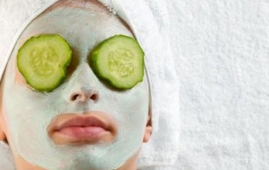Maschera viso idratante al cetriolo