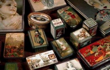 Un piccolo giardino nelle scatole delle caramelle