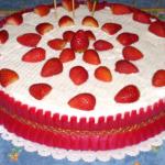 Torta panna e fragola con crema allo zabaione